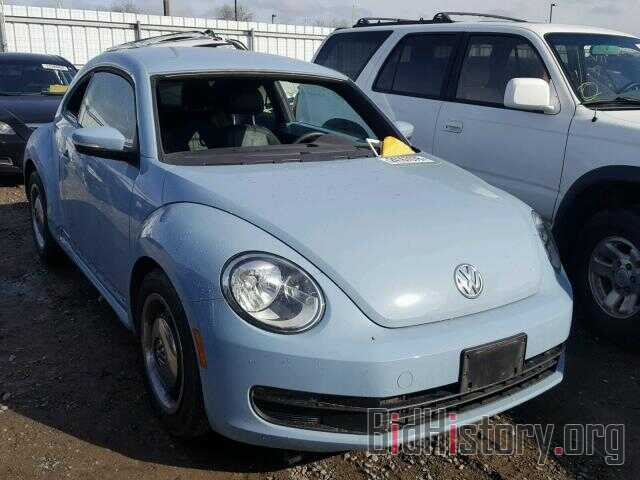 Photo 3VWJP7AT1CM665621 - VOLKSWAGEN BEETLE 2012
