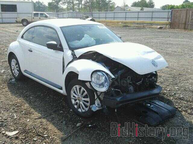 Photo 3VWFP7AT0CM623804 - VOLKSWAGEN BEETLE 2012