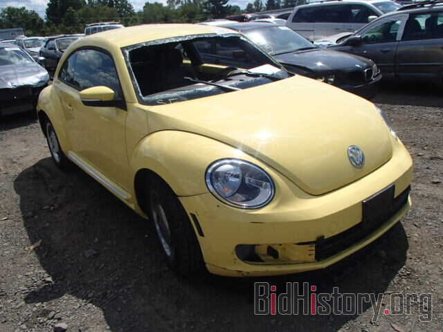 Photo 3VWJP7ATXCM624579 - VOLKSWAGEN BEETLE 2012