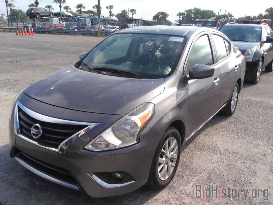 Photo 3N1CN7AP5JL857117 - Nissan Versa Sedan 2018